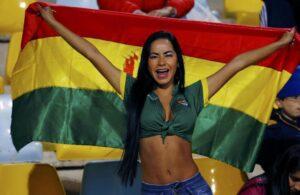 Maite Flores, bella tifosa della Bolivia