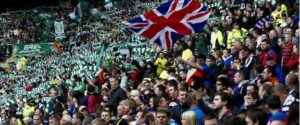 Le Union Jack in risposta alle bandiere irlandesi del Celtic