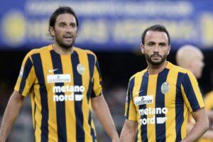 Toni e Pazzini con la maglia del Verona