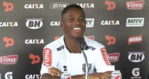 Robinho si presenta all'Atletico Mineiro