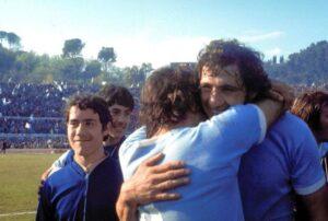 RETRO 1974 - LAZIO CAMPIONE D' ITALIA 1974 - I FESTEGGIAMENTI DI GIORGIO CHINAGLIA - 01-00016190000002 - OLYCOM