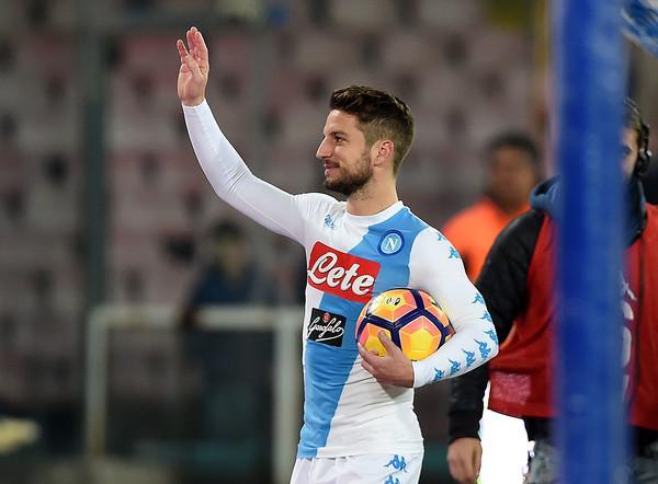 Napoli Mertens si opera, il comunicato del club quando torna il belga?