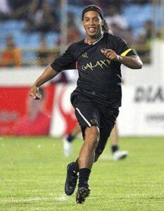 Un Ronaldinho appesantito